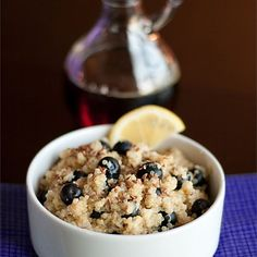 Blueberry Lemon Breakfast Quinoa | Sweet blueberries and tart lemon pair well in this quinoa alternative to oatmeal for a warm breakfast cereal.