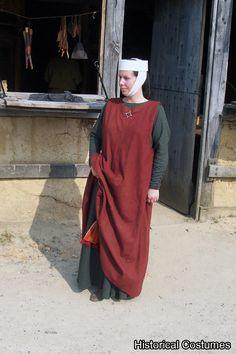 13th Century Sleeveless Surcote