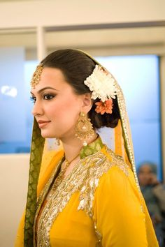 [Click on the photo to book your wedding photographer]  South Indian Bride Hair Style Flower Gajra Ideas South east asian bride hari, malyalee bride hair, tamil bride hair, telugu bride hair, hair flower  Curated By Best Indian Candid & Destination Wedding Photography: Magica