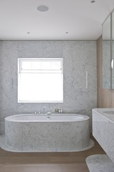 Andy Martin Architects completed a large five bedroom double fronted mews house in London's Hyde Park, achieving an elegant blend between the client's existing classical space and furniture, and their own contemporary interventions. Hyde Park, Small Bathroom, Master Bathroom, Washroom, Bathroom Ideas, Wood Bathroom, Mews House, Bad Styling, Interior Architecture