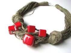 necklace Ceramic claret      100% Handmade    Colors  •linen-cream  •claret red Ceramic      Materiais:  •linen  •Ceramic  •jewelry clasp
