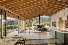 Image 2 of 19 from gallery of L'Angolo Estate / LEVER Architecture. Photograph by Jeremy Bittermann