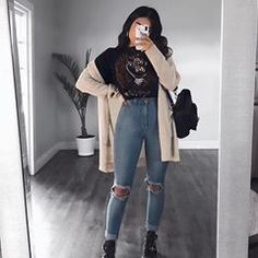 Ripped Jeans With Long Cardigan ★ Edgy grunge style from the to inspire your street style. edgy outfits Basics Of Grunge Style And Modern Interpretation Mode Outfits, Grunge Outfits, 90s Style Outfits, 90s Inspired Outfits, Hipster Outfits, Party Outfits, Winter Fashion Outfits, Look Fashion, Fasion