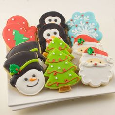 Who doesn't like Christmas cookies? Even better when they are decorated as snowmen, santas, and Christmas trees! #christmas #diy #winterwonderland