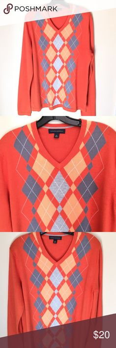 Banana Republic Mens Sweater Excellent Condition great for fall and winter 29in long sleeves 29 in long chest 22in chest 55 percent silk 40 percent cotton 5 percent cashmere soft comfortable Banana Republic Sweaters V-Neck