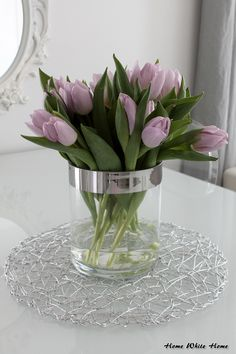 Pin by Majlinda Mustafai on lule Luxury Flowers, Love Flowers, Fresh Flowers, Spring Flowers, Beautiful Flowers, White Tulip Bouquet, Purple Tulips, White Tulips, Flower Images