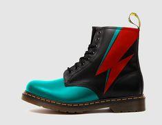 Martens com David Bowie Dr. Martens, Doc Martens Boots, Dream Shoes, Crazy Shoes, Cute Shoes, Me Too Shoes, Shoe Boots, Shoe Bag, Combat Boots