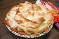 How to make lemon meringue pie. The recipe is made with lemons and sweetened condensed milk for a rich and creamy dessert. Lemon Dessert Recipes, Lime Recipes, Cream Pie Recipes, Banana Bread Recipes, Bar Recipes, Lemon Meringue Pie Recipe Condensed Milk, Best Lemon Meringue Pie, Dessert Dishes, Pie Dessert