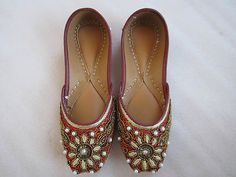 Women Handmade Multicolored Embroidered Punjabi Jutti/Balerna Shoes US Size 7.5
