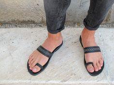 Los hombres anillo cuero sandalias totalmente personalizable.