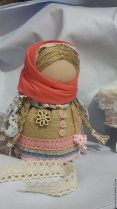 Купить Кукла-оберег Девочка с конфеткой - кукла оберег, ручная работа, хлопок 100%