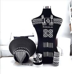 This item is not available - Black and white African wedding jewelry set African Wedding Dress, African Print Dresses, African Print Fashion, Africa Fashion, African Fashion Dresses, Xhosa Attire, African Attire, African Wear, Zulu Traditional Attire