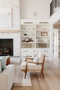 Seattle Project Part One: Entry, Kitchen & Great Room - SM Living Room Storage, Home Living Room, Living Room Designs, Simple Living Room Decor, Home Design, Home Interior Design, Interior Plants, Fall Home Decor, Cheap Home Decor