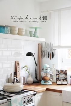 I'm liking the idea of a metal strip to hold knives. Then you wouldn't have to use counter space for them. Kitchen Redo, Home Decor Kitchen, Kitchen Interior, New Kitchen, Home Kitchens, Kitchen Remodel, Kitchen Cabinets, Kitchen Stories, Shabby Chic Kitchen