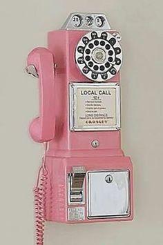 Pink Telephone Vintage-y Telephone Vintage, Vintage Phones, Telephone Booth, Telephone Call, Vintage Love, Vintage Pink, Vintage Style, Vintage Tools, Vintage Decor