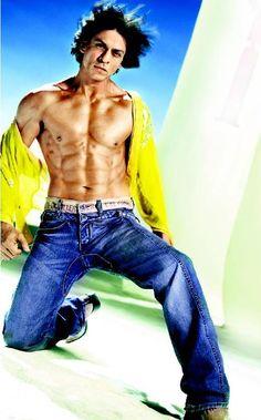 Mmm Shahrukh Khan..huge crush on this guy back in my Bollywood days
