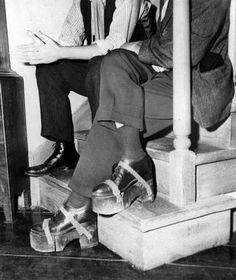 """Humphrey Bogart medía 1'72; Ingrid Bergman, 1'75. Doloroso, pero se tuvo que resolver así para rodar """"Casablanca"""""""