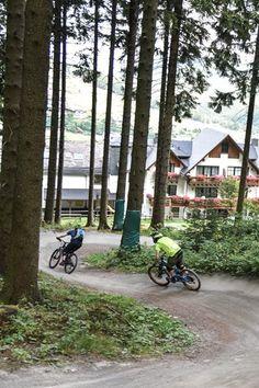 Flowige Abfahrten aus der Hand von Streckendesigner Diddie Schneider warten in #Willingen auf Freerider und Dowhiller.  | Foto: Y-SiTE
