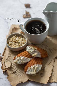 Fehércsokis, mandulás madeleine | sutisdobozoom