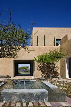 Tierra Adentro House by David Howell, in San Miguel de Allende, Mexico. [ MexicanConnexionForTile.com ] #fountains