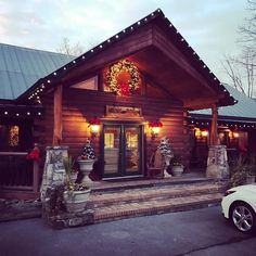 Christmas at The Lodge, perfect for a winter wedding at Hidden Mountain Resorts