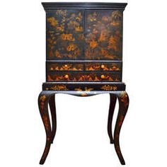 Early 19th Century English Chinoiserie Decorated Lacquer Cabinet on Shaped Legs