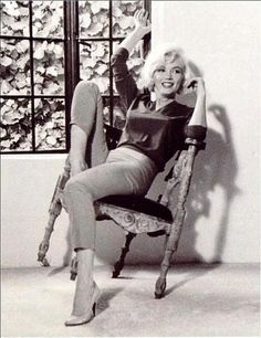 Foto - Marilyn at home shortly before her death in 1962
