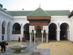 al-qarawiyyin-university-oldest-library