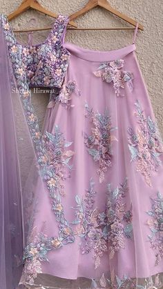 Cute pink skirt and floral applications Jupe rose mignonne et applications florales Indian Bridal Outfits, Indian Designer Outfits, Designer Dresses, Indian Gowns Dresses, Pakistani Dresses, Pakistani Bridal, Indian Lehenga, Lehenga Choli, Sarees