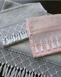 @gozdenin_gunlugu Macrame Curtain, Decorative Towels, Macrame Art, Crochet Slippers, Hand Towels, Crochet Lace, Needlework, Embroidery Designs, Diy And Crafts