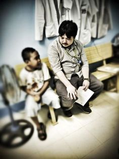 A blog post by Allen Mallari on his encounter with Darren, an eight-year old kid from Bicol (Luzon Island, Philippines) who had been diagnosed with #craniopharyngioma. His friends and family fondly call him Kamote, a term or endearment lovingly given by his grandfather. (January 23, 2014, whitecoatchronicles.wordpress.com )