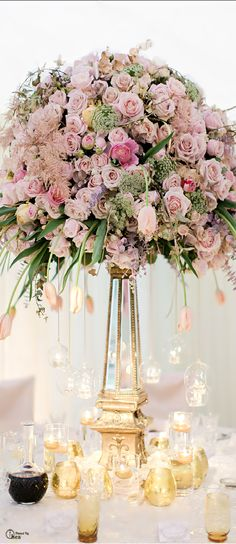 Wedding Tablescape ● Floral Centerpiece. www.thailandlifestyleproperties.com…