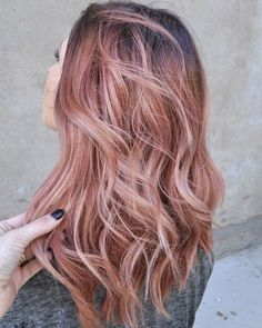 Hair inspiration ~ ROSE GOLD source: Pinterest - #hairinspo #rosegold #rosegoldhair #hairstyle #inspirationineverything #fashiondreamers #shoestoshine