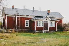 Home Fashion, House Colors, Old Houses, Finland, Shed, Outdoor Structures, Cabin, Colours, Reno Ideas