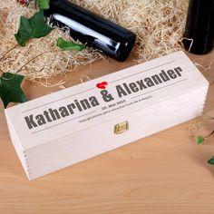 Gravierte Holzbox zur Hochzeit mit Namen, Datum und Glückwunschtext