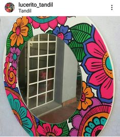 Mirror Painting, Mirror Art, Whimsical Painted Furniture, Painted Plant Pots, Mosaic Artwork, Butterfly Painting, Plate Art, Crafts To Make And Sell, Frame Crafts
