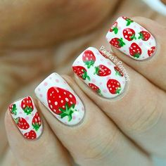 Sweet strawberries nail art. Easy nail art ideas for summer.