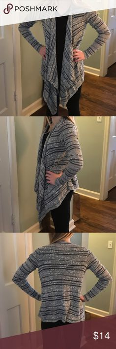 Hollister Open Front Cardigan, Lt.Blue/Gray, Black Super Cute Hollister Cardigan purchased last season. Gift for my daughter that she never wears. I'd love for someone to be enjoying it! Never worn, new with tags! Hollister Sweaters Cardigans