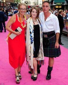 emma thompson, Greg Wise and daughter Gaia Emma Thompson, Mode Ab 50, Uk Actors, Elizabeth Bennet, Celebrity Moms, English Actresses, Lady Diana, Celebs, Celebrities