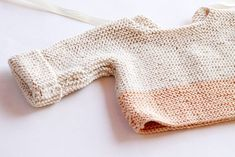 Easy baby sweater knitting pattern.