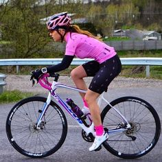 bicycle in Cycling Equipment Cycling Wear, Cycling Girls, Cycling Outfit, Women's Cycling, Mtb, Triathlon, Female Cyclist, Cycle Chic, Bike Rider