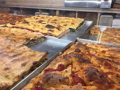 Maravilhas do Panificio Bonci. #roma #rome #receitaitaliana #receitas #receita #recipe #ricetta #cibo #culinaria #italia #italy #cozinha #belezza #beleza #viagem #travel #beauty #panificiobonci #bonci #gabrielebonci #padaria #pizza #pizzaripiena #pizzaaltaglio