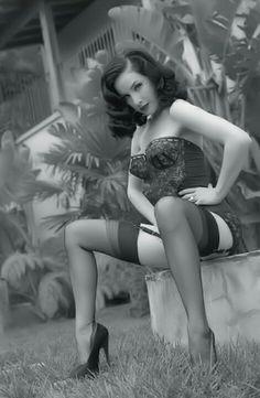 Bulrlesque Dita von Teese    For more Dita Von Teese, click here--> https://www.pinterest.com/thevioletvixen/dita-von-teese/