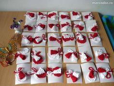 3 lei: Martisoare crosetate tip brosa , disponibile si in alte culori la cerere. Lei, Advent Calendar, Holiday Decor, Crochet, Accessories, Create, Crochet Hooks, Crocheting, Thread Crochet