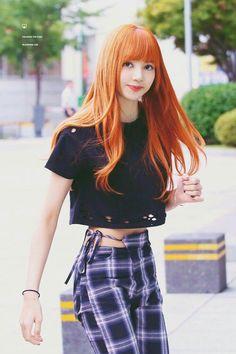 Đổi muôn ngàn màu tóc nhưng màu hợp với Lisa (Black Pink) nhất thì chỉ có một - Ảnh 1.