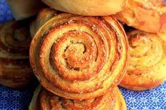 Fuente: amapolaelmundoenunplato.blogspot.com   Preparamos 24 unidades   Necesitamos   Para la masa   90 gramos de mantequilla  300 gramos ...