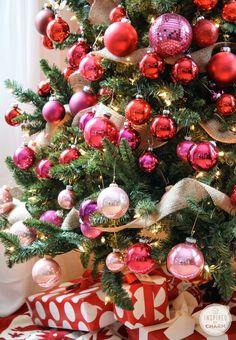 50 Adorable Pink and Purple Christmas Decoration Ideas Rainbow Christmas Tree, Noel Christmas, Merry Little Christmas, Xmas Tree, Winter Christmas, Christmas Tables, Coastal Christmas, Christmas Crafts, Christmas Unicorn