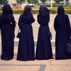 4 Muslim Women In Black Abaya Dress Stylish Hijab, Hijab Chic, Hijabi Girl, Girl Hijab, Abaya Fashion, Muslim Fashion, Modest Fashion, Women's Fashion, Muslim Girls