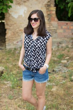 KNOT KNOT 18-6-2014  Camiseta/T-Shirt – Primark (ss 14) Shorts – Guess Zapatillas/Shoes – Carolina Boix