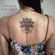 Flor de Lótus que tive a honra de fazer para Bruna! Gratidão! #ofilhodatuta #tattoo #tattoos ...
